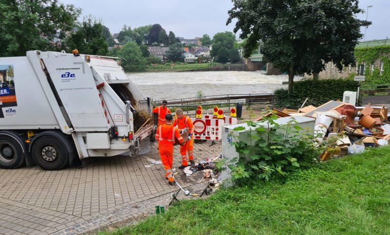 Entsorgungsbetriebe Essen sammeln mehr als 881 Tonnen Abfälle nach Hochwasser im Juli