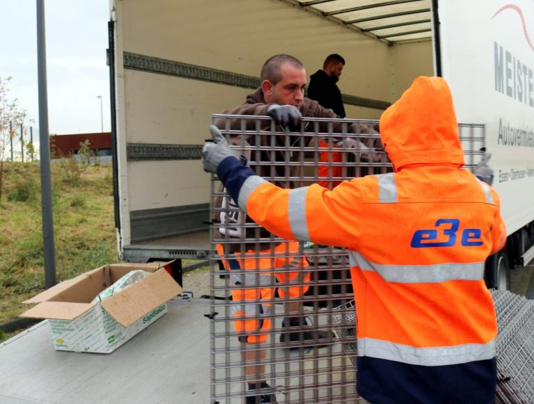 EBE stellen fast 1000 Laubkörbe auf und vergeben mit den Stadtwerken Essen 75.000 weiße Laubsäcke